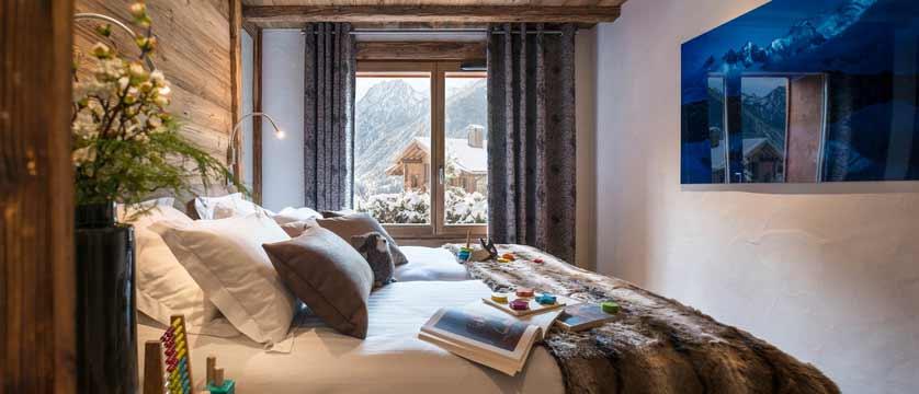 Cristal de Jade Residence, Chamonix, France - bedroom with a view.jpg